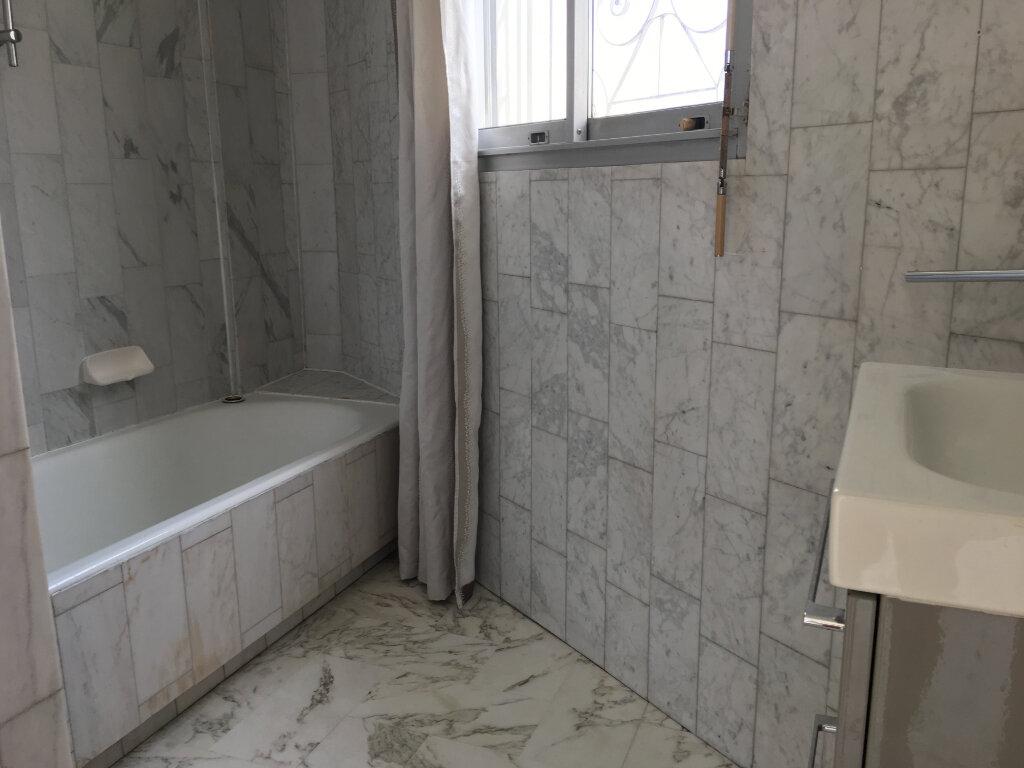 Appartement à louer 2 49m2 à Nice vignette-8