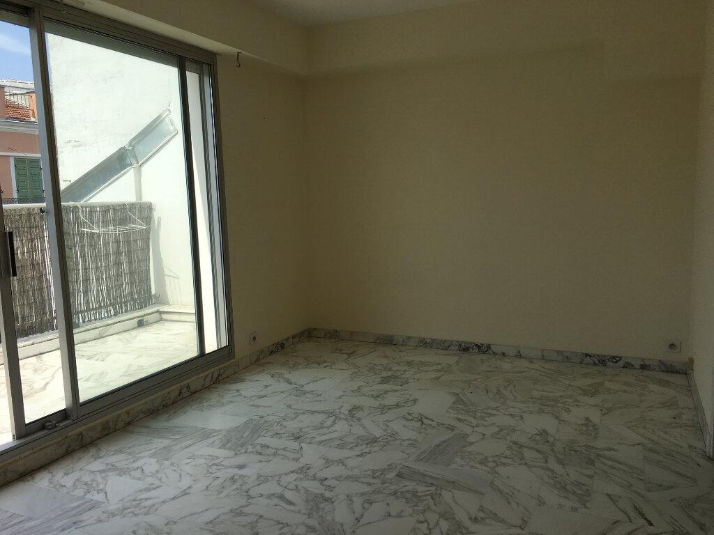 Appartement à louer 2 49m2 à Nice vignette-10