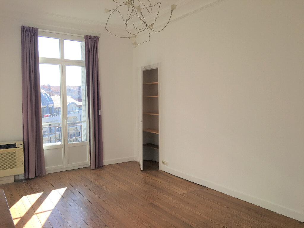 Appartement à louer 4 172.03m2 à Nice vignette-12