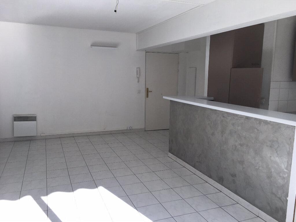 Appartement à louer 2 41.04m2 à Nice vignette-3