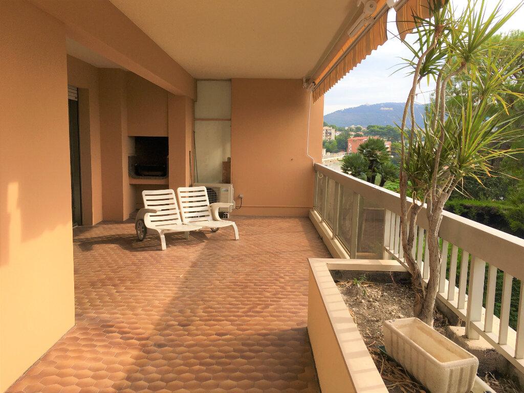 Appartement à louer 3 100m2 à Nice vignette-2