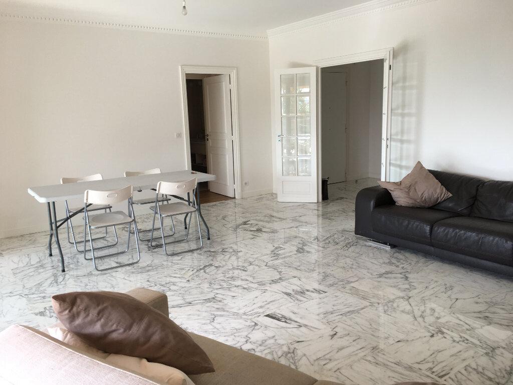 Appartement à louer 3 100m2 à Nice vignette-3