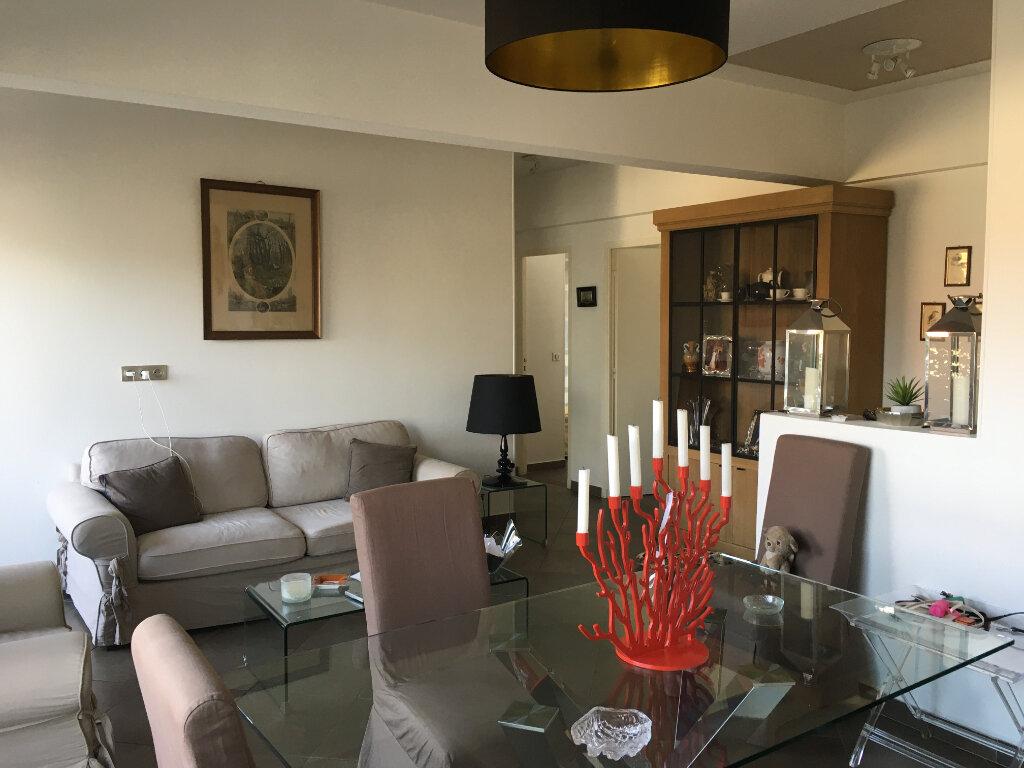 Appartement à louer 3 75.58m2 à Nice vignette-3