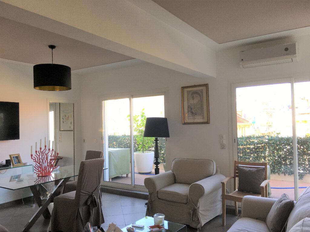 Appartement à louer 3 75.58m2 à Nice vignette-4