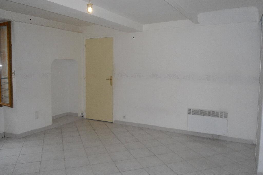 Appartement à louer 3 59m2 à L'Escarène vignette-4