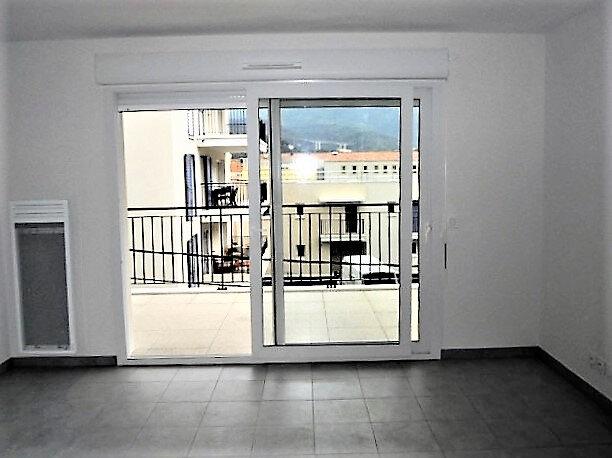 Appartement à louer 2 44m2 à Drap vignette-4