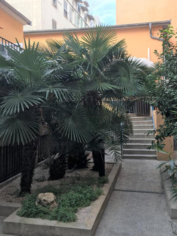 Appartement à louer 1 23.57m2 à Nice vignette-1
