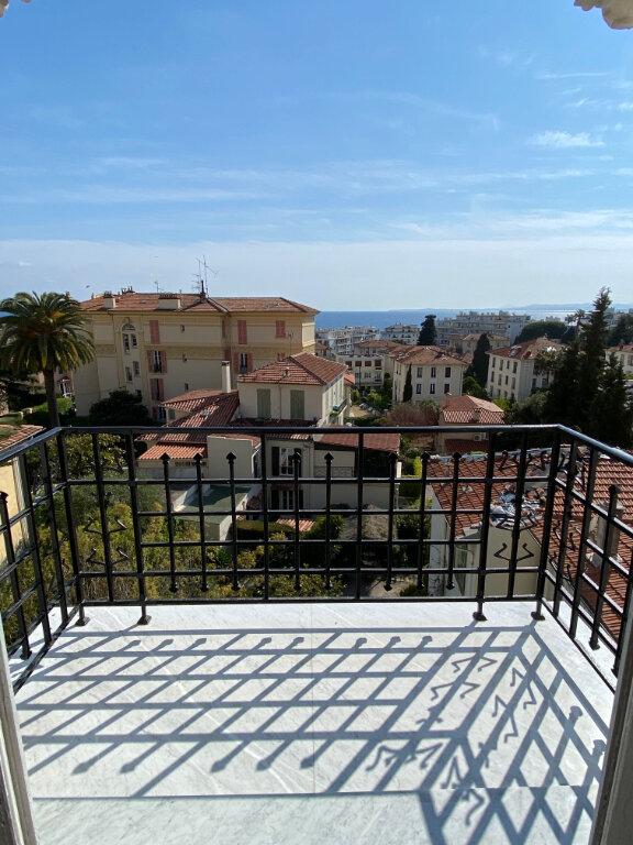Appartement à louer 4 80.28m2 à Nice vignette-1