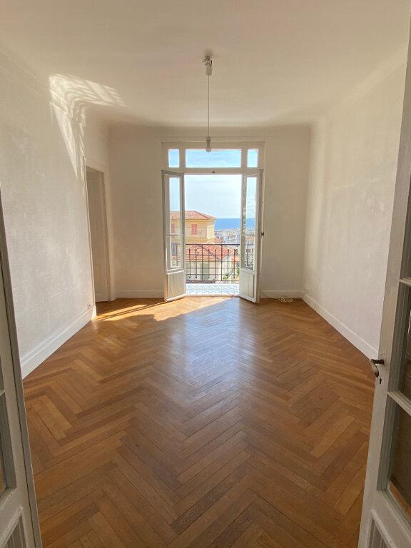 Appartement à louer 4 80.28m2 à Nice vignette-3