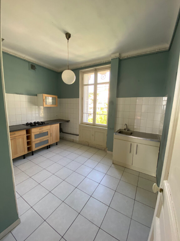 Appartement à louer 4 80.28m2 à Nice vignette-4
