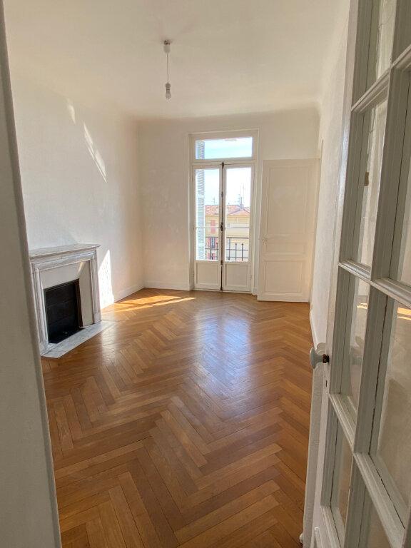 Appartement à louer 4 80.28m2 à Nice vignette-5