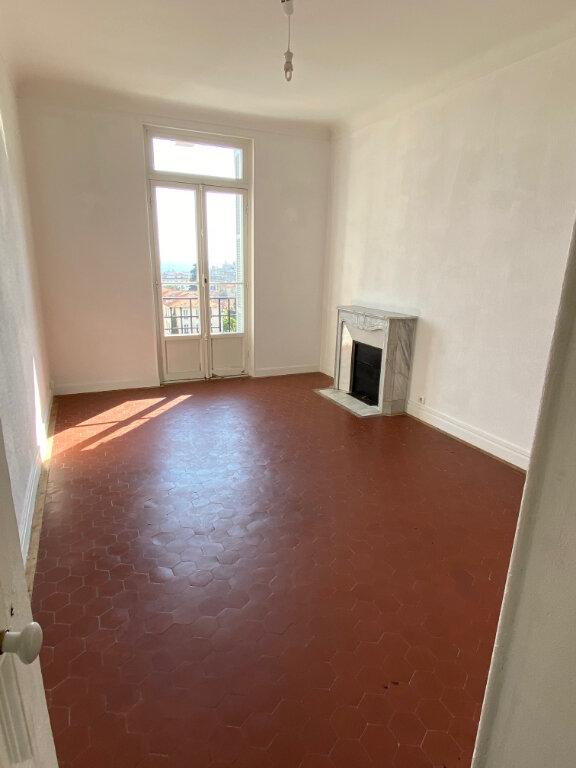 Appartement à louer 4 80.28m2 à Nice vignette-6