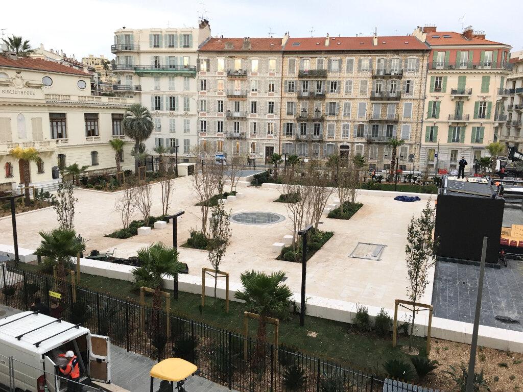 Appartement à louer 2 50.57m2 à Nice vignette-1