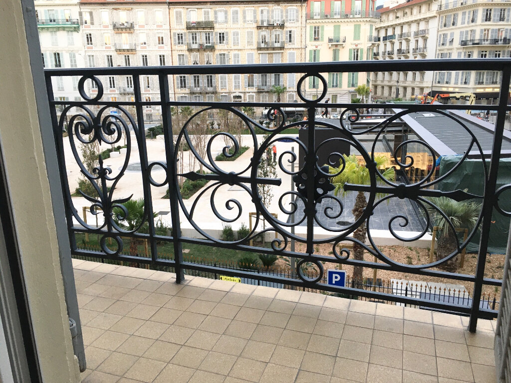 Appartement à louer 2 50.57m2 à Nice vignette-2