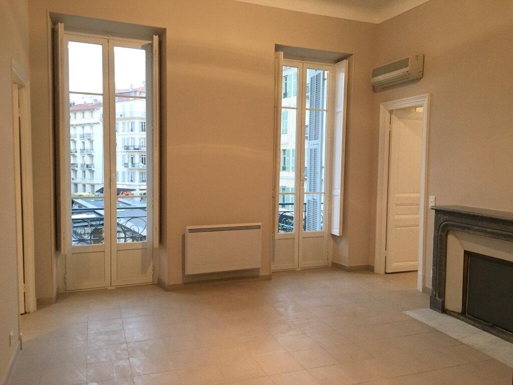 Appartement à louer 2 50.57m2 à Nice vignette-3