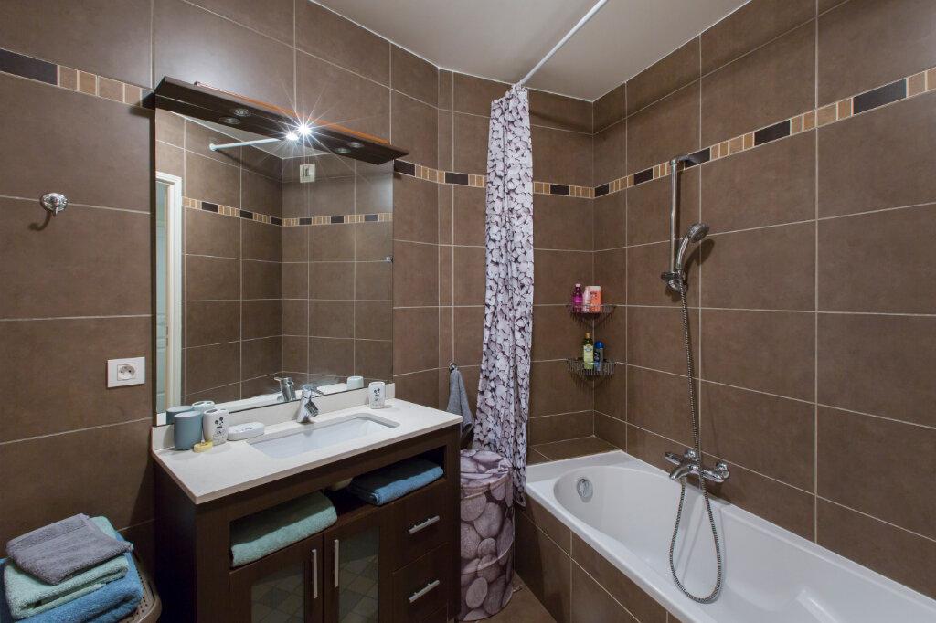 Appartement à louer 3 72.88m2 à Nice vignette-7