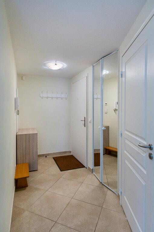 Appartement à louer 3 72.88m2 à Nice vignette-8