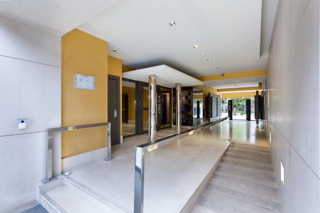 Appartement à louer 3 72.88m2 à Nice vignette-12
