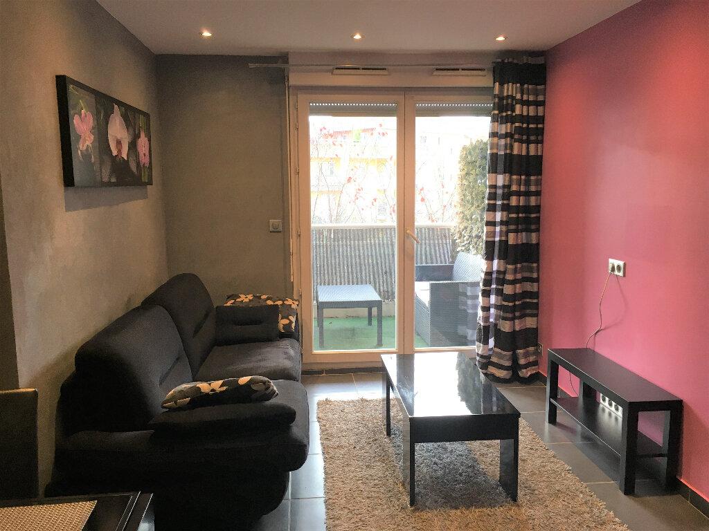 Appartement à louer 2 33.6m2 à Saint-André-de-la-Roche vignette-1