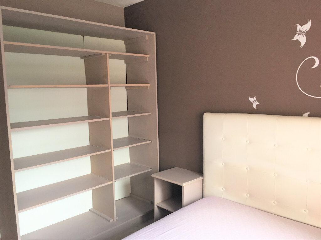 Appartement à louer 2 33.6m2 à Saint-André-de-la-Roche vignette-7