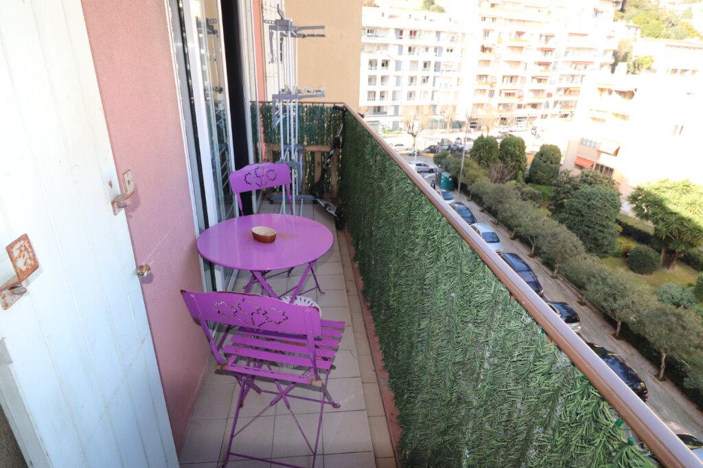 Appartement à louer 2 40m2 à Nice vignette-1