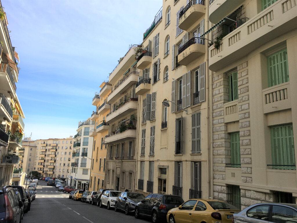 Appartement à louer 3 64m2 à Nice vignette-1
