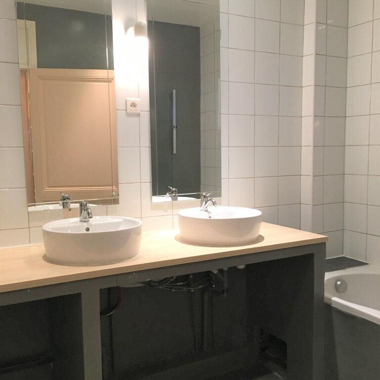 Appartement à louer 3 64m2 à Nice vignette-8