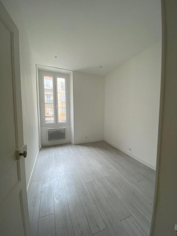 Appartement à louer 3 84.57m2 à Nice vignette-5