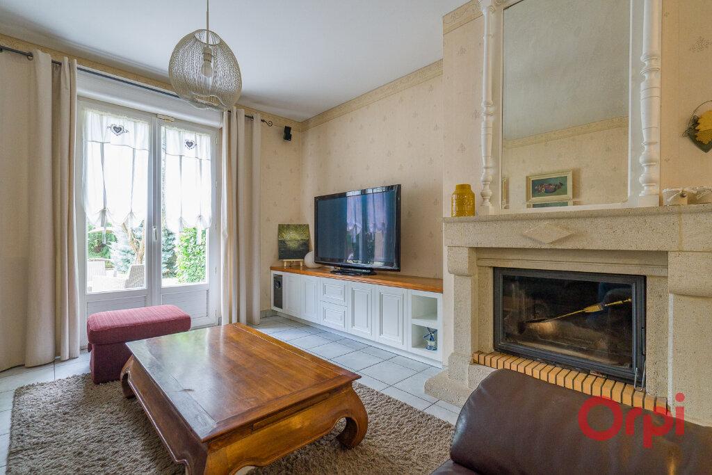 Maison à vendre 6 125m2 à Champigny-sur-Marne vignette-6