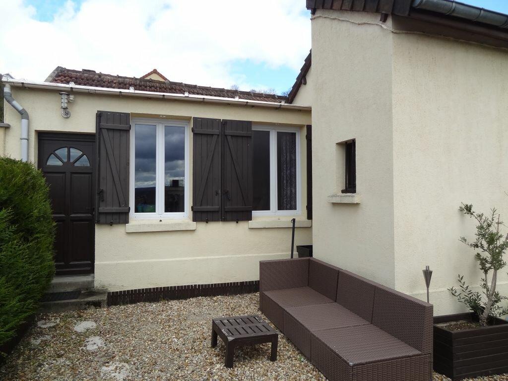 Maison à louer 4 71m2 à Vaux-sur-Seine vignette-1
