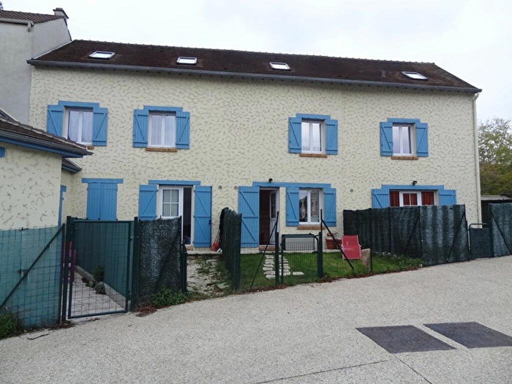 Appartement à louer 1 15m2 à Triel-sur-Seine vignette-1