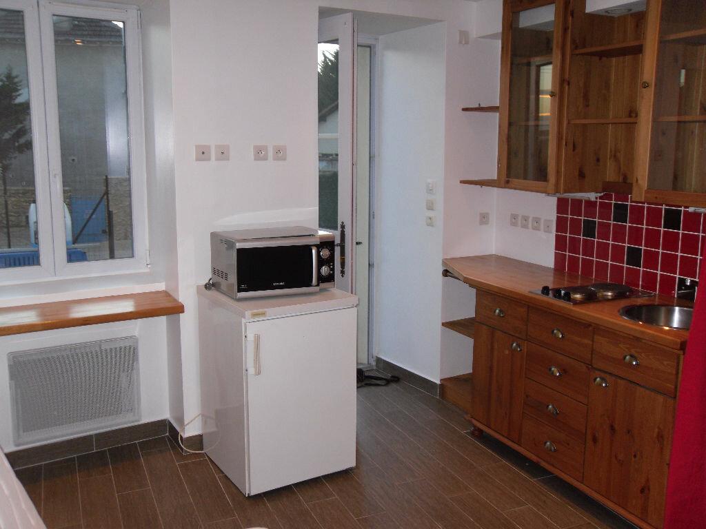 Appartement à louer 1 15m2 à Triel-sur-Seine vignette-3
