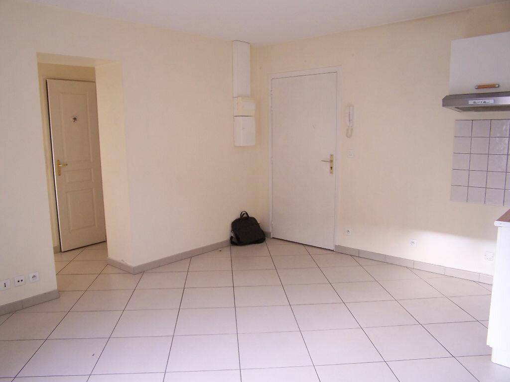 Appartement à louer 2 33m2 à Vaux-sur-Seine vignette-3