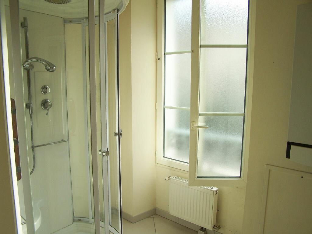Appartement à louer 2 33m2 à Vaux-sur-Seine vignette-9