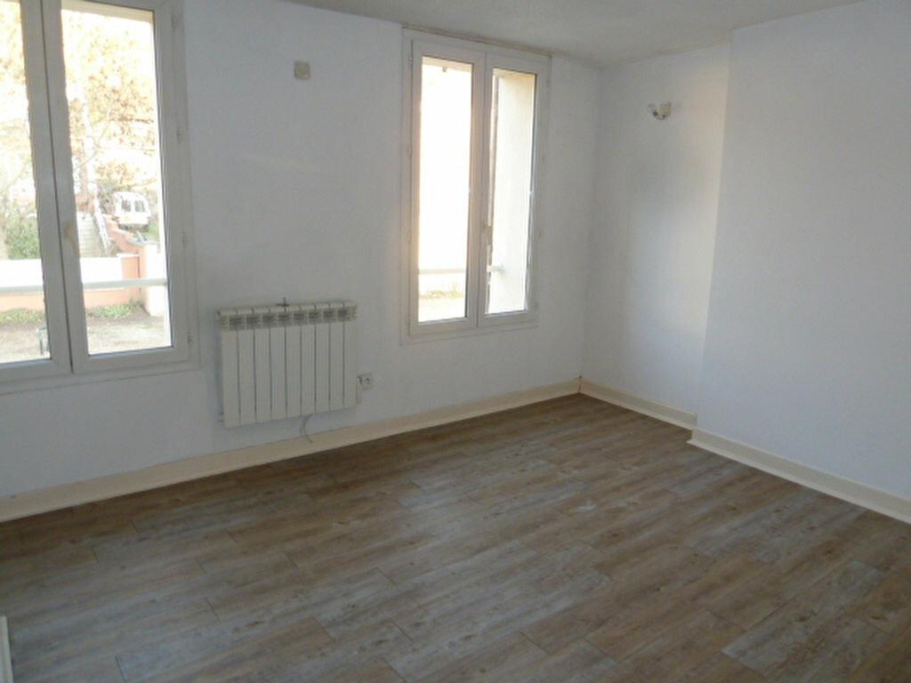 Appartement à louer 2 38m2 à Vaux-sur-Seine vignette-3