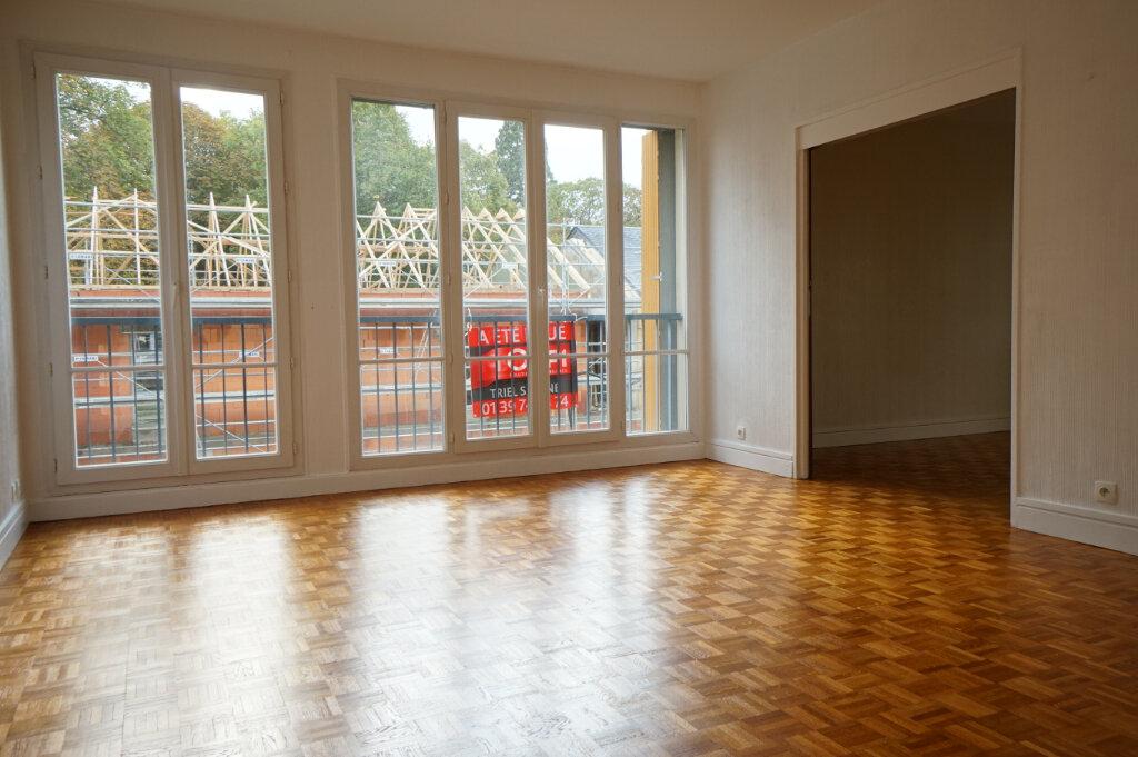 Appartement à louer 4 89m2 à Saint-Germain-en-Laye vignette-1