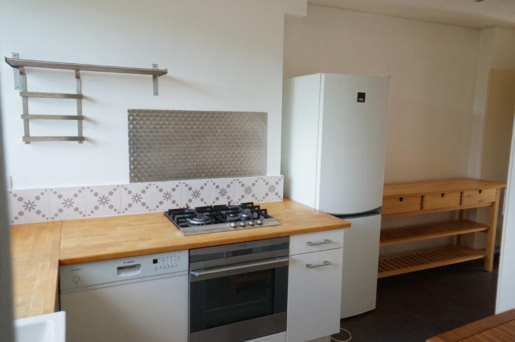 Appartement à louer 4 89m2 à Saint-Germain-en-Laye vignette-3