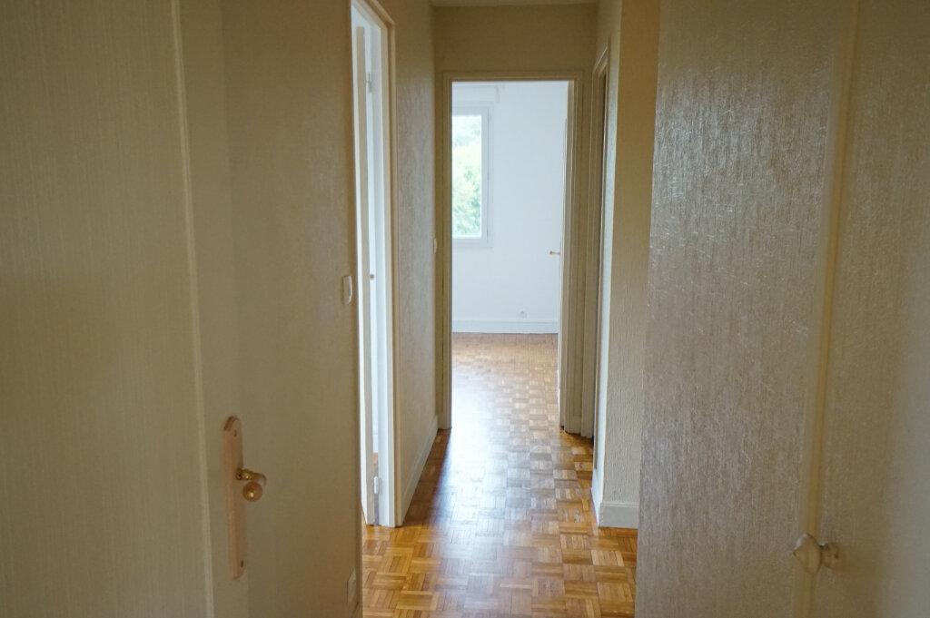 Appartement à louer 4 89m2 à Saint-Germain-en-Laye vignette-5