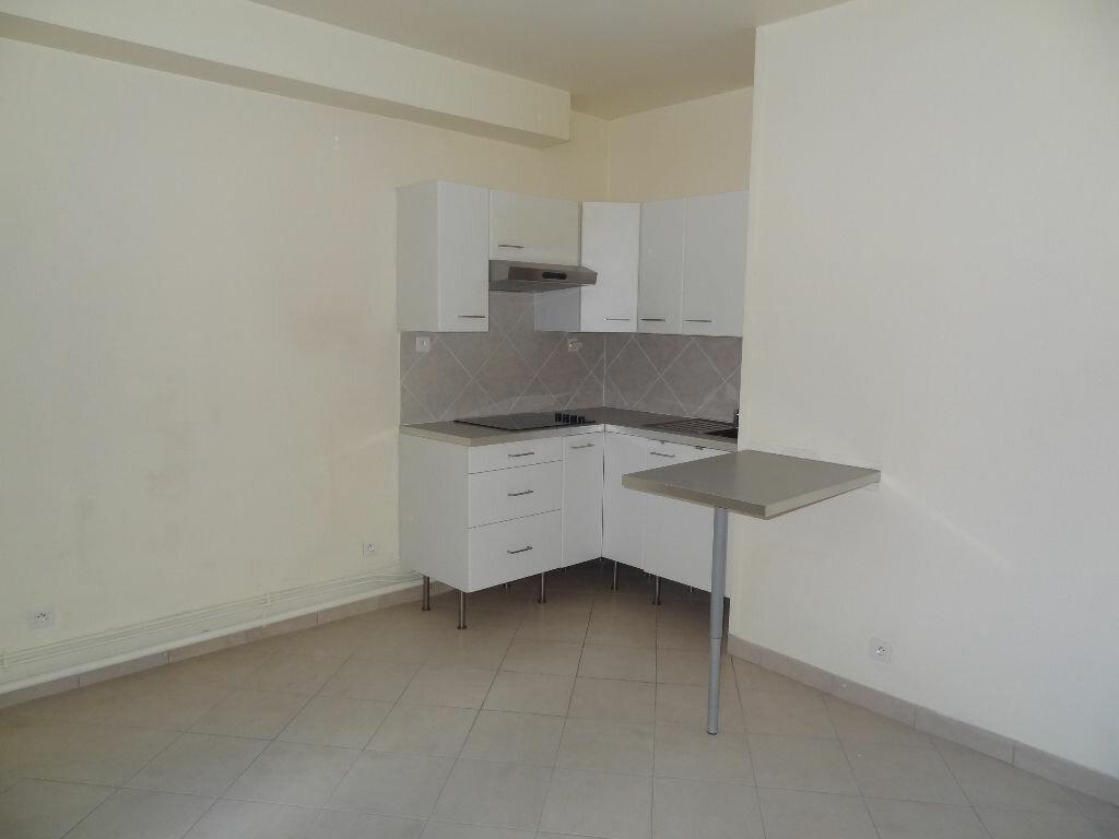 Appartement à louer 2 32m2 à Triel-sur-Seine vignette-1