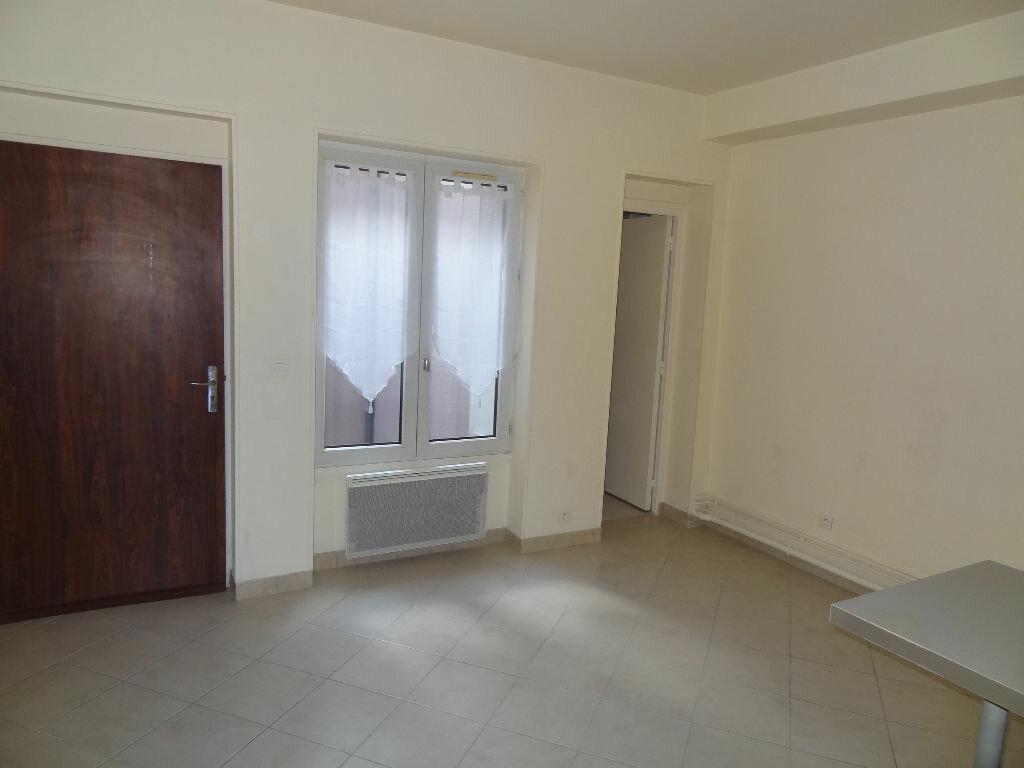 Appartement à louer 2 32m2 à Triel-sur-Seine vignette-2