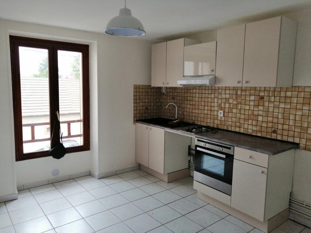 Appartement à louer 3 46m2 à Vaux-sur-Seine vignette-1
