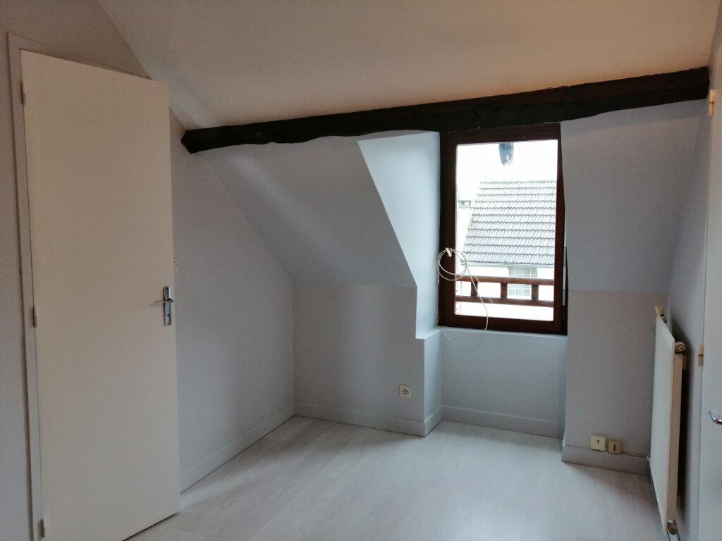 Appartement à louer 3 46m2 à Vaux-sur-Seine vignette-2