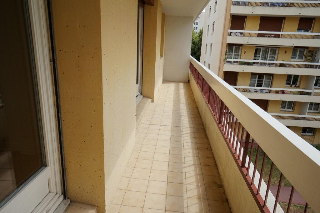 Appartement à louer 3 66.38m2 à Poissy vignette-6