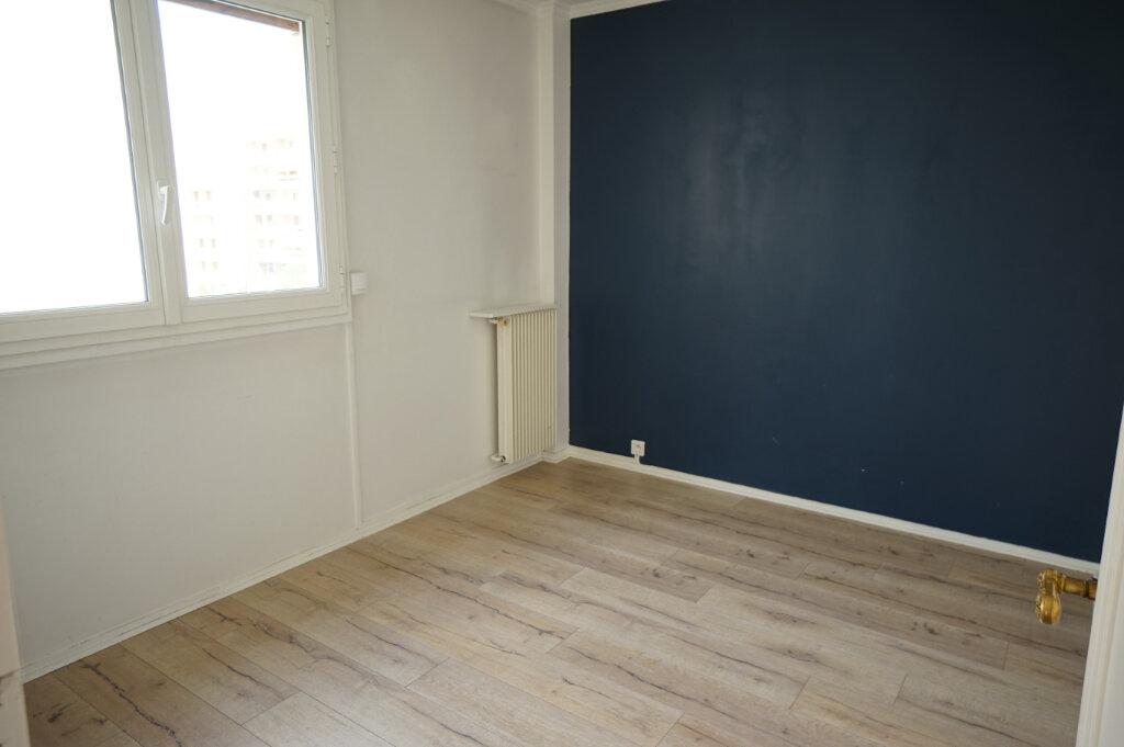 Appartement à louer 3 66.38m2 à Poissy vignette-9