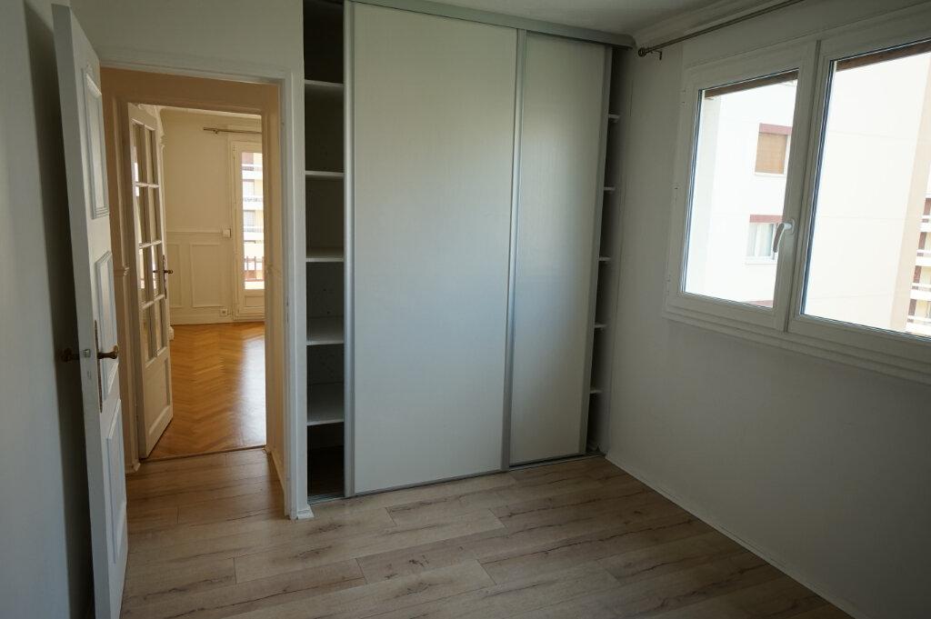 Appartement à louer 3 66.38m2 à Poissy vignette-12