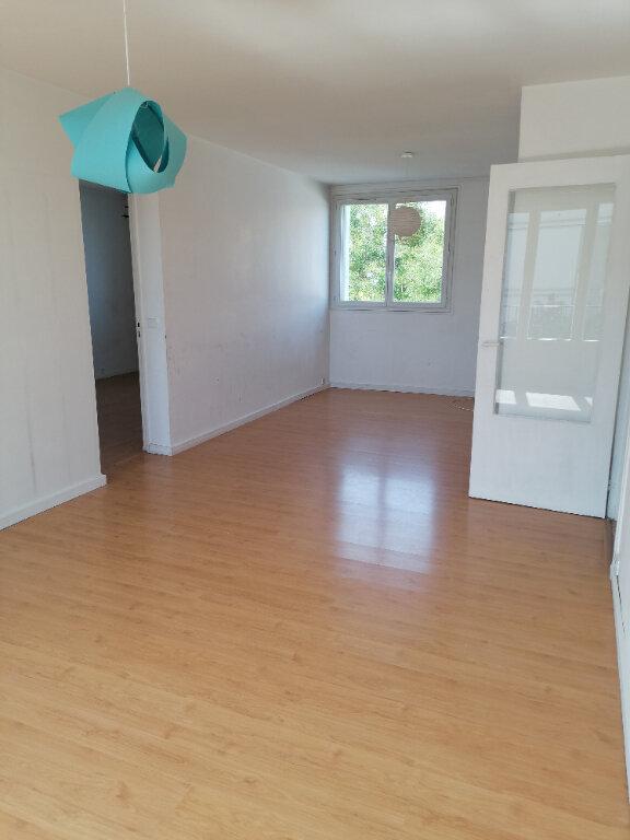 Appartement à louer 3 68m2 à Le Plessis-Robinson vignette-1