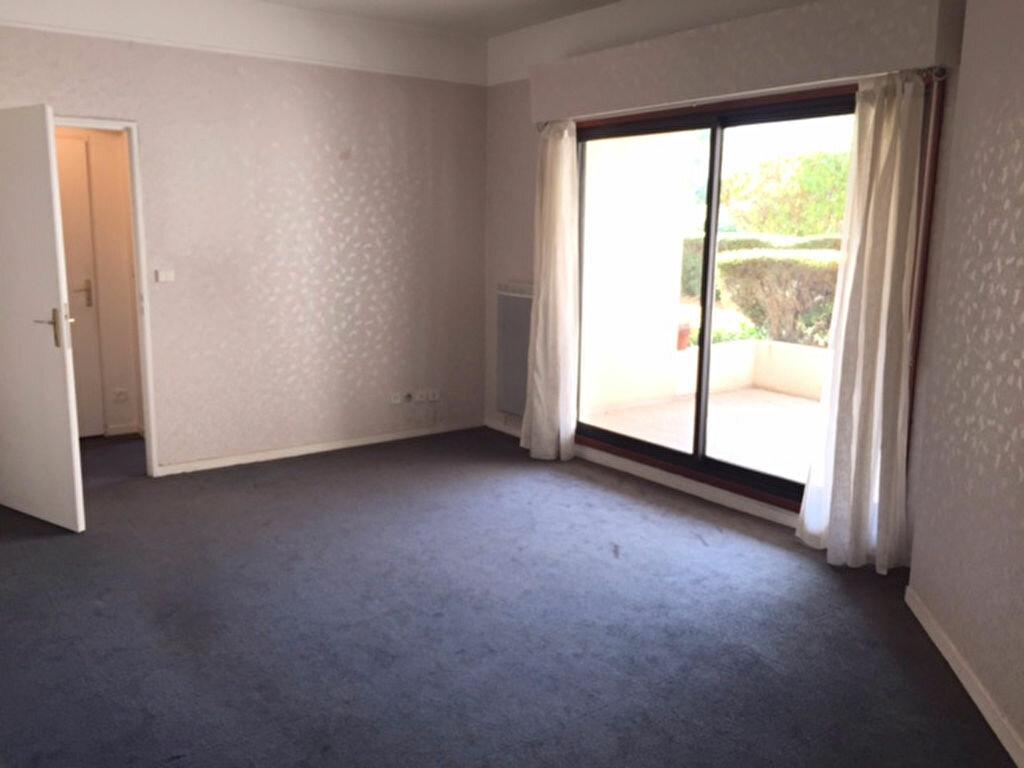 Appartement à louer 2 47.47m2 à Bourg-la-Reine vignette-1