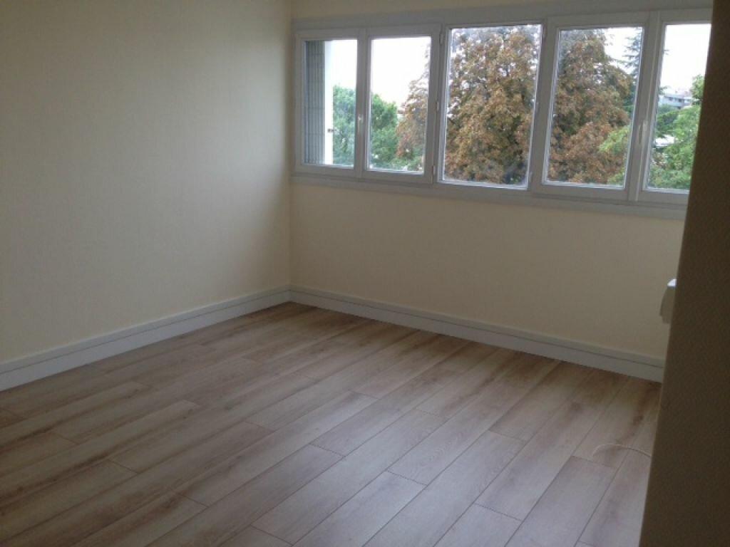 Appartement à louer 2 47.82m2 à Fontenay-aux-Roses vignette-2
