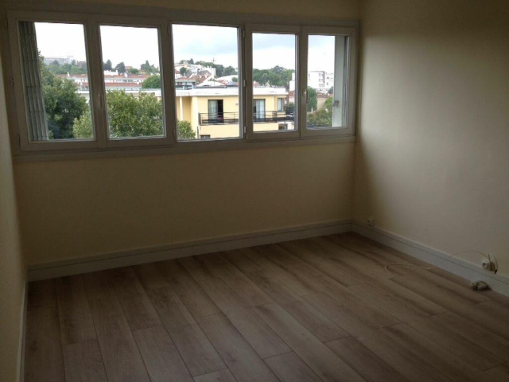 Appartement à louer 2 47.82m2 à Fontenay-aux-Roses vignette-3