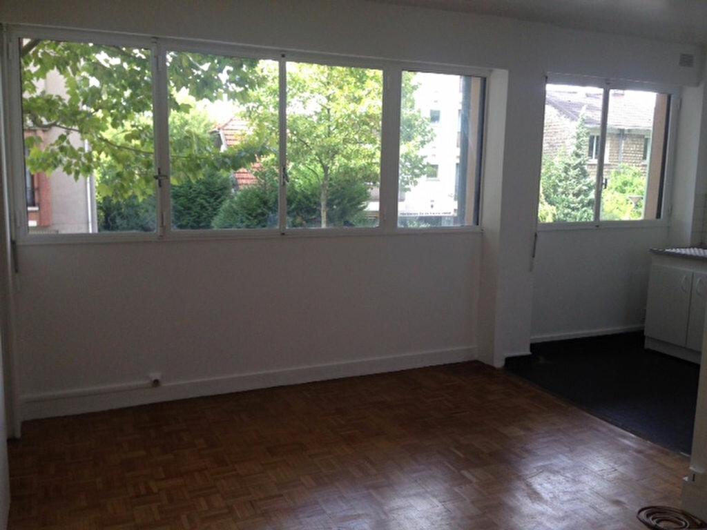 Appartement à louer 2 35.4m2 à Bourg-la-Reine vignette-1